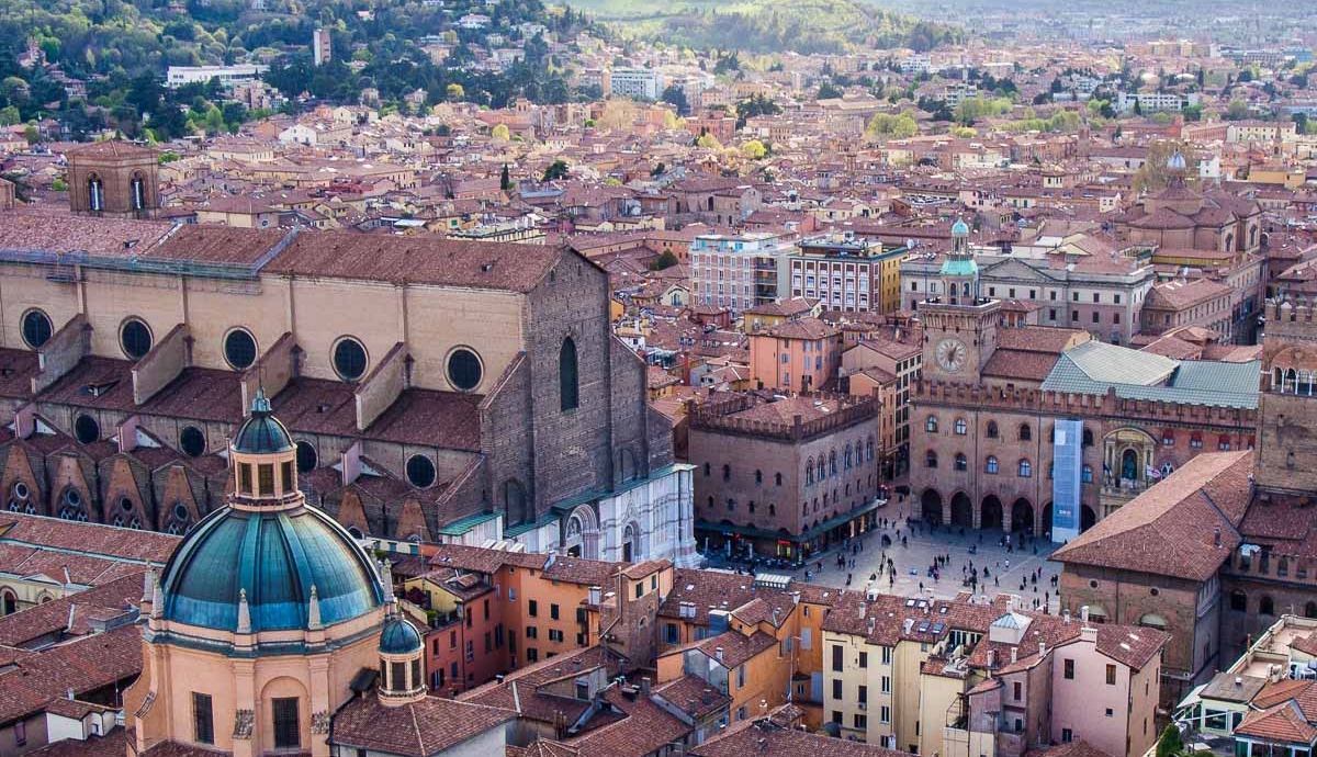 Airtickets to Bologna. Book here:
